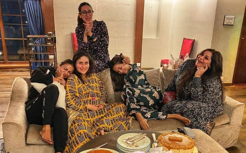 Preggers Kareena Kapoor Khan Moving To New Home? Actress Enjoys A  Night Out With Karisma Kapoor, Amrita, Malaika Arora, Ahead Of 'New Beginnings'
