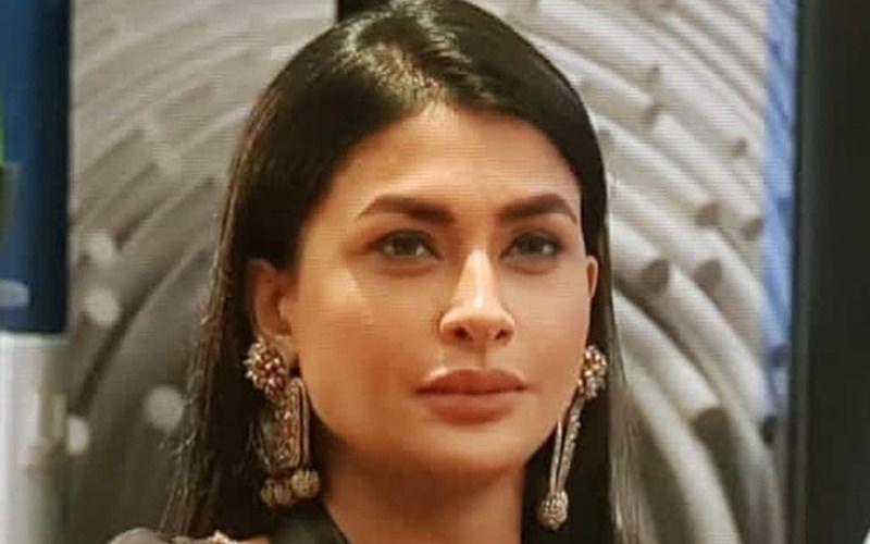 Pavitra Punia BASHES Trolls Abusing Her; Bigg Boss 14 Contestant Furiously Asks 'Hum Twitter Pe Tumhari Gaaliyaa Sunne Ke Liye Baithe Hai?' – VIDEO