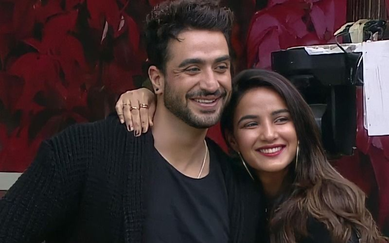 Jasmin Bhasin Asked About Her Marriage Plans With Aly Goni Once Again; Bigg Boss 14 Contestant Says 'Abhi Toh Hum Bachche Hain'- VIDEO
