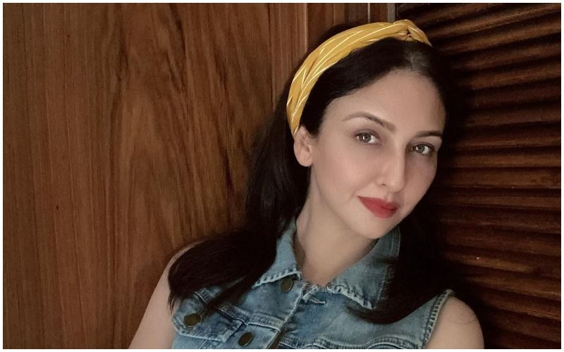 Bhabiji Ghar Par Hain Actress Saumya Tandon Denies Allegations That She Used Fake ID To Get COVID-19 Vaccine: 'Anyone Can Make Such IDs'