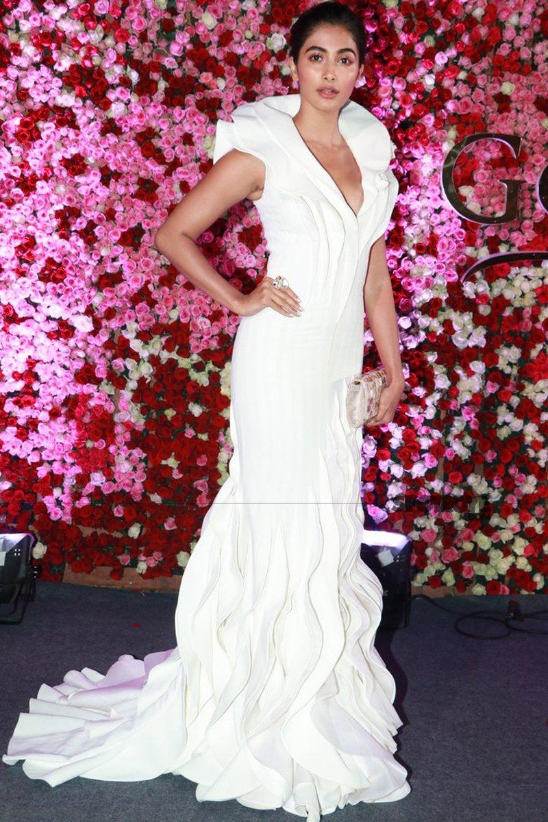 pooja hegde at lux golden rose awards