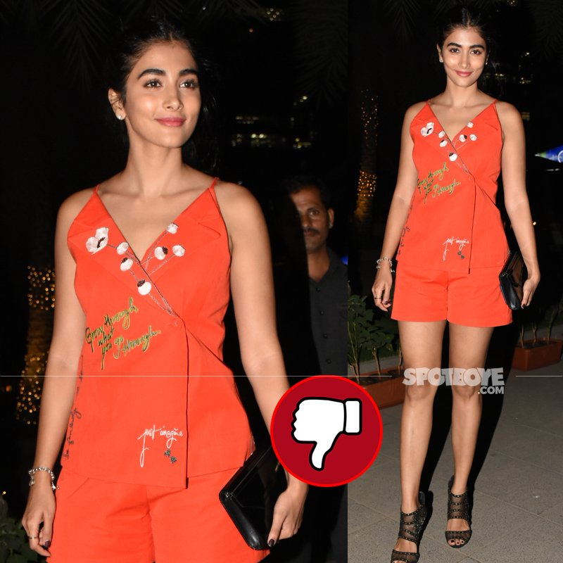 pooja hegde snapped in bandra