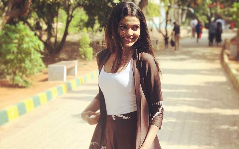 Pooja Sawant's Gorgeous Outfit Is So Simple Yet So Classy