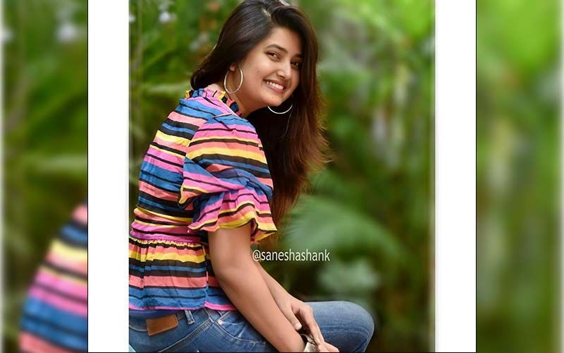 Prajakta Mali Mesmerises Her Fans With A Glimpse Of Her Outdoor Photoshoot