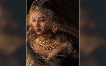 Prajakta Mali Looks Like A Goddess In Her Golden Extravaganza