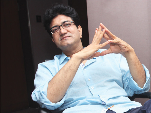 prasoon joshi lyricist