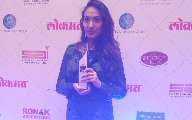 Prernaa Arora Wins The Lokmat Award For Excellence In The Entertainment Business!