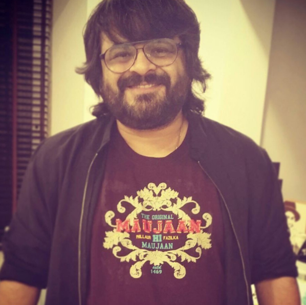 pritam smiling for the paps