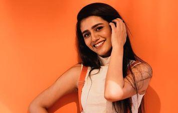 'विंक क्वीन' प्रिया प्रकाश ने 'फाइनल्स' के लिए गाना गाया