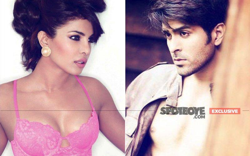 Priyanka Chopra LOCKED EYES With Her EX-LOVER Harman Baweja, Last Night!
