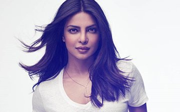 Priyanka Chopra Can't Keep Her Hands Off Something. Guess What?