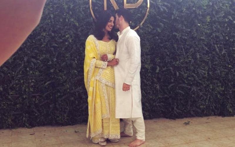 सगाई के बाद सामने आई प्रियंका चोपड़ा और निक जोनास की पहली तस्वीर