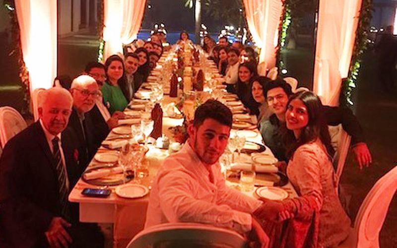 शादी की तैयारियों के बीच प्रियंका चोपड़ा और निक जोनस ने दिल्ली में परिवार संग थैंक्सगिविंग का जश्न मनाया