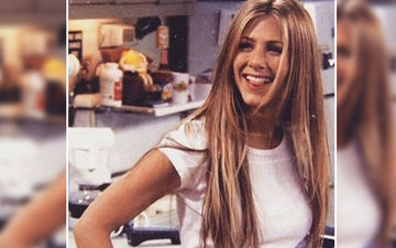 Jennifer Aniston Can't Get Over The Word F**K And This Hilarious Friends Bloopers Video Is A Proof