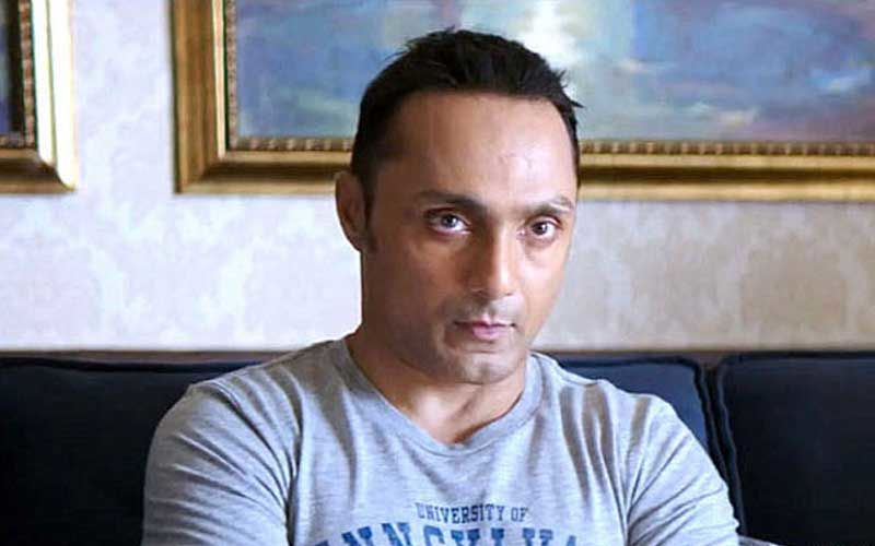 Rahul Bose Charged Rs 442.50 For Two Bananas At A Luxury Resort; Internet Has A Hilarious Take On It