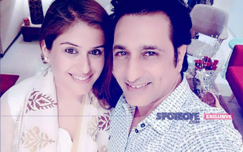 Rajeev Paul Introduces New Girlfriend Anjali Raina To His Mumbai Circle