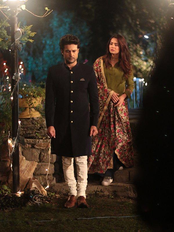 rajeev khandelwal and surveen chawla in haq se