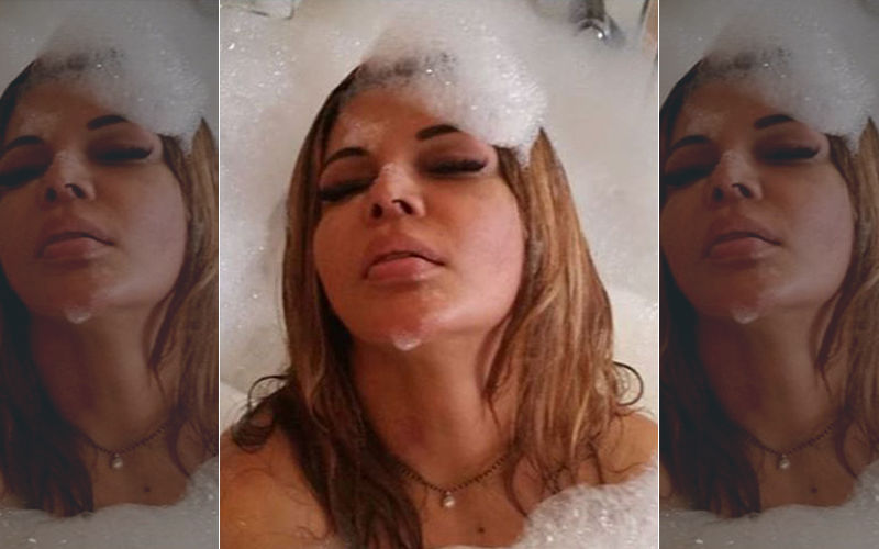 """Rakhi Sawant's Saucy Bathtub Pictures: Actress Enjoys With Her Husband Ritesh, Says She's """"Getting Crazy"""""""