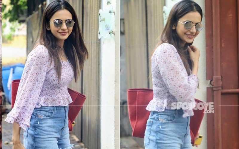 Rakul Preet Singh Is A Ray Of Sunshine As She Steps Out For A Dubbing Session