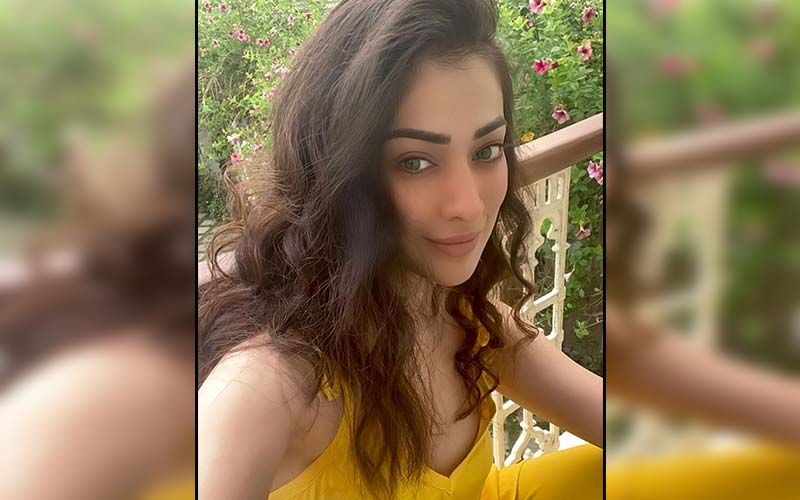 Raai Laxmi's Outdoor Workout Amidst Heavy Winds And Rain Gives Fans Fitness Goals