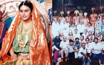 Ramayan: Dipika Chikhlia Aka Sita Shares A Major Throwback Photo Of The Entire Cast And Crew Sans Raavan Is Breaking The Internet