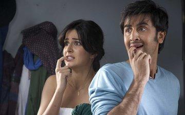Ranbir Kapoor & Katrina Kaif Dare To Bare In An Auto