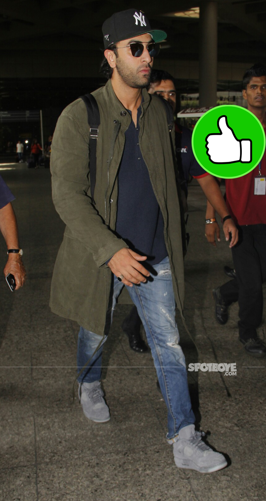 ranbir kapoor at the airport while returning from london