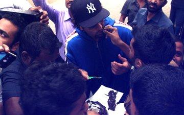 SEE PICS: Ranbir Kapoor Celebrates Birthday With His Fans