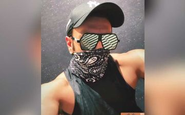 Ranveer Singh Drops A Hot Pic Sporting A Face Mask And Sassy Shades; Actor's 'All Ready To Smash' Some Muscles At The Gym