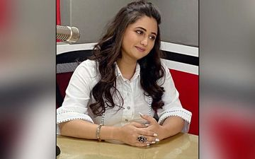 The RD Show: Rashami Desai Set To Entertain Fans With Her Live Talk Show During Lockdown
