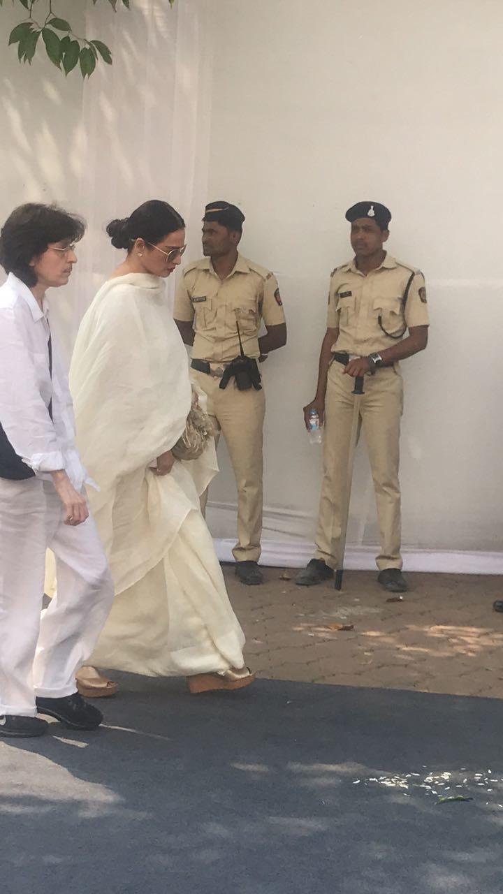 rekha at the prayer meet
