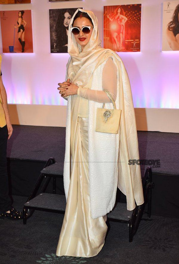 rekha at dabboo ratnanis calender launch
