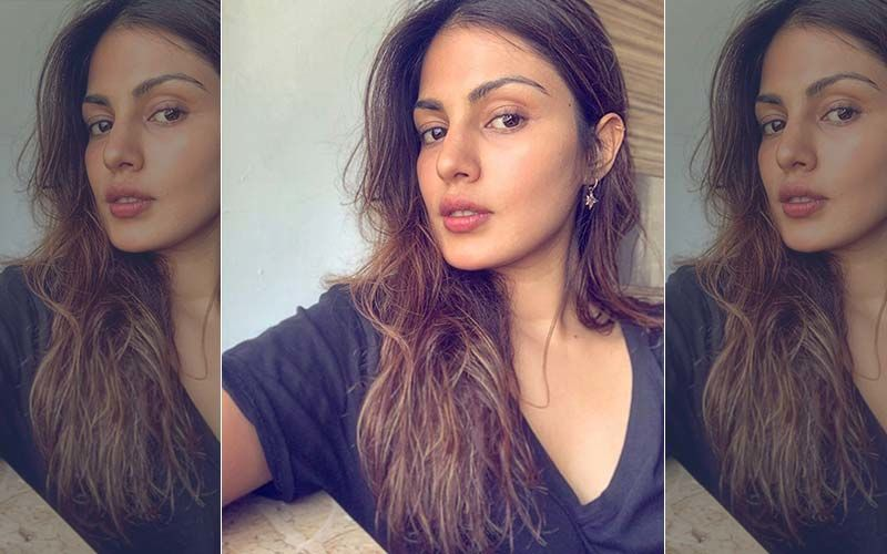 Rhea Chakraborty Files A Police Complaint Against Media For Gathering Inside Her Building And Work Under Constitutional Rights