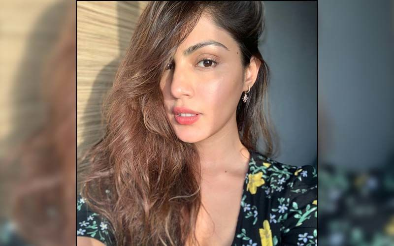 Rhea Chakraborty Lends Her Support To NCW's Initiative To Help Pregnant Women; Shares Helpline Number For Expectant Mothers