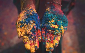 Holi 2020: Essential Tips For Holi To Avoid Skin And Hair Damage