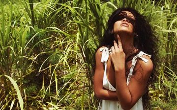 Rihanna Goes Braless In Barbados; Calls It Home - PIC Inside