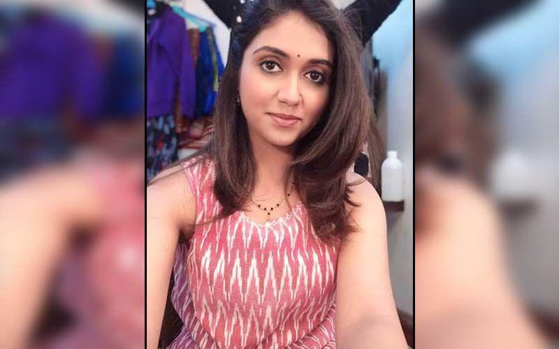 Sairat Fame Rinku Rajguru Starts Dubbing For Upcoming Bilingual Film Choomantar
