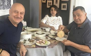 Rishi Kapoor is On Cloud Nine As He Finally Gets To Have 'Phulka' And 'Ghar Ka Khana'