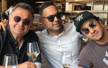 बेटे रणबीर कपूर और दामाद भरत साहनी के साथ न्यूयॉर्क में ऋषि कपूर ने उठाया वाइट वाइन का आनंद
