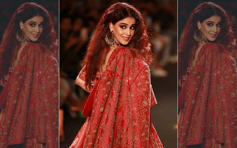 Riteish Deshmukh Adores Genelia's Lakme Fashion Week Show Stopper Look