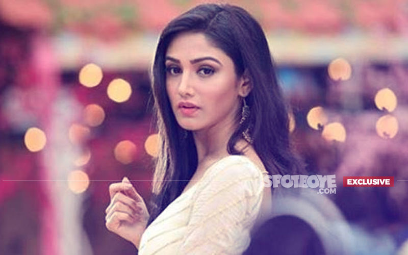 Roop - Mard Ka Naya Swaroop Actress Donal Bisht Meets With An Accident