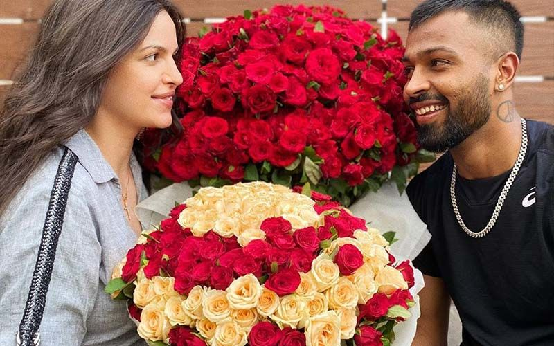 Hardik Pandya Is Gushing Over 'Happiness In Life' With Preggers Natasa Stankovic; Surprises Her With GIGANTIC Bouquets: 'Roses For My Rose'