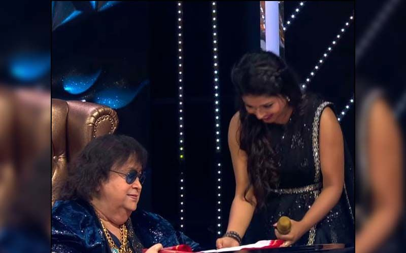 Indian Idol 12: Bappi Lehri Is Highly Impressed By Arunita Kanjilal's Performance; Veteran Singer Gives Her THIS Special Gift -WATCH