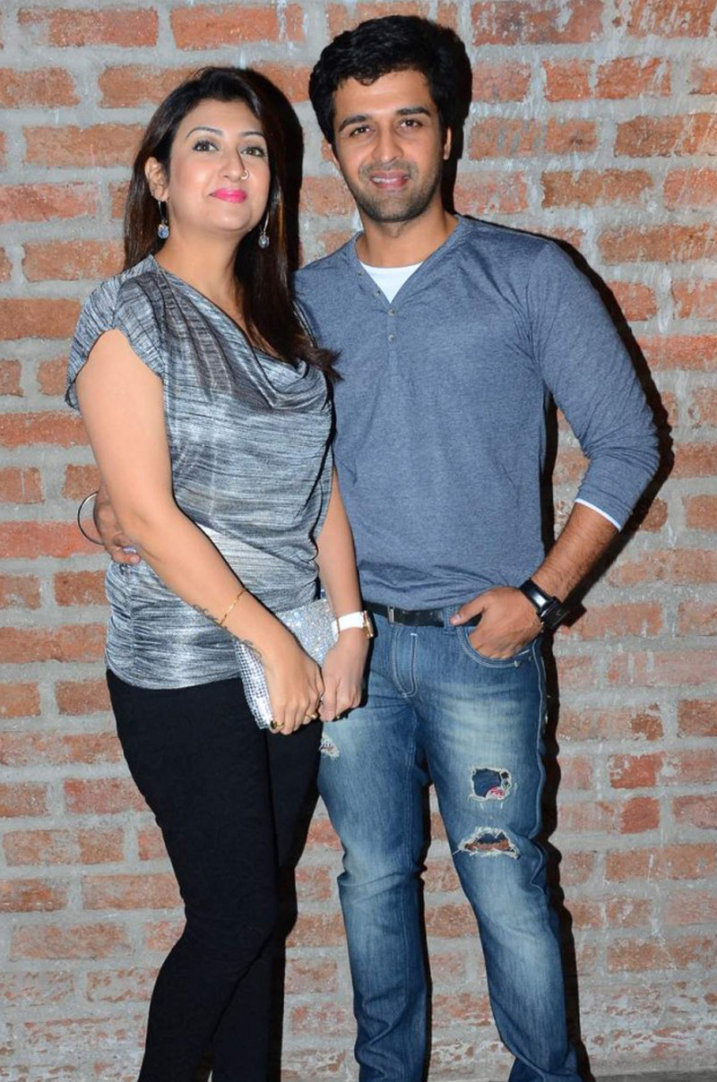 sachin shroff with ex wife juhi parmar