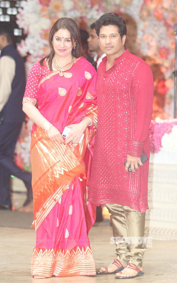 sachin tendulkar with wife anjali