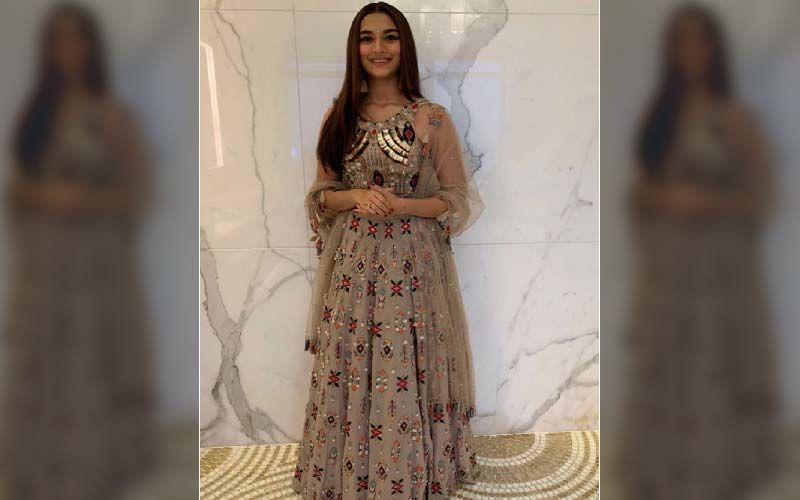 Filmfare Awards 2020: Saiee Manjrekar Looks Drop Dead Gorgeous In A Dazzling Attire For The Red Carpet