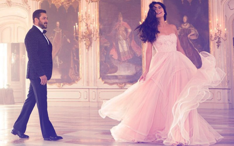 Salman Khan Can't Take His Eyes Off Katrina Kaif