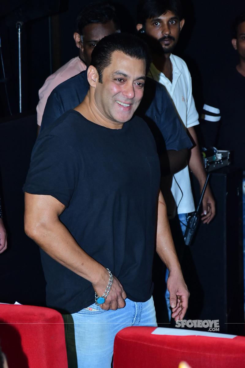 salman khan at loveratri trailer launch