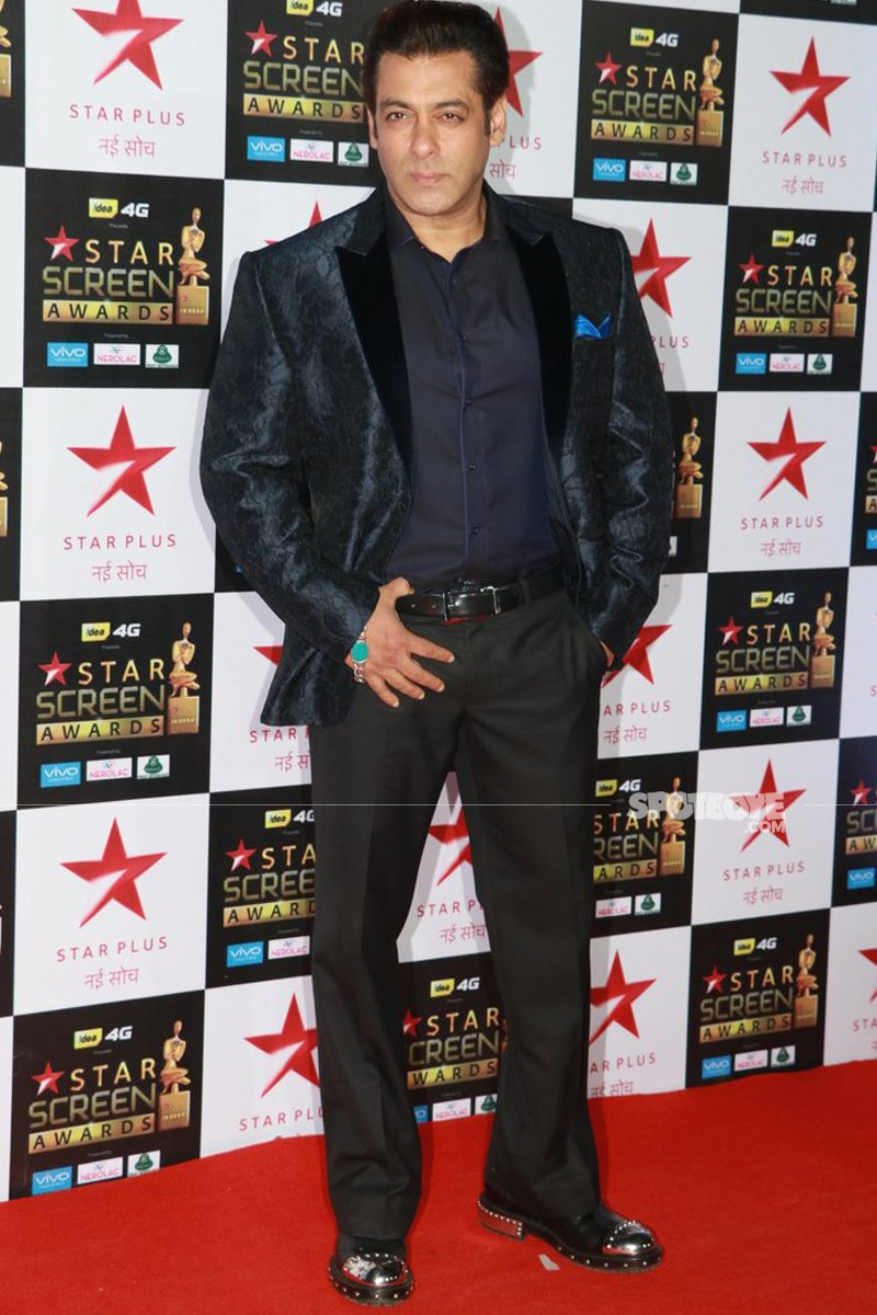 salman khan at star screen awards