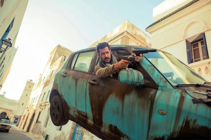 salman khan in a flying car shot from tiger zinda hai